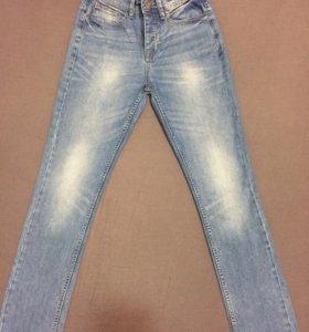 Мужские джинсы Lefties