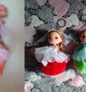 Брелок с куколкой