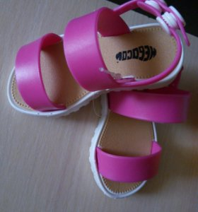 Новые детские сандалики пляжные