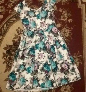 Красивое платье. размер 44