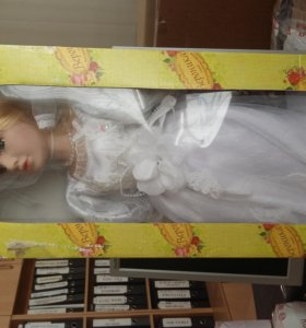 кукла коллекционная невеста в платье каскадом