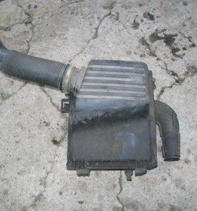 Корпус воздушного фильтра 1,8 Гольф 3 Венто