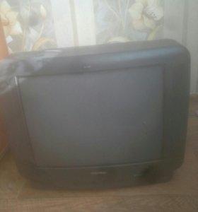 Продам телевизо в нерабочем состоянии на запчасти
