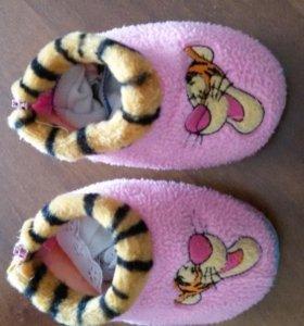 Детские тапочки и носочки