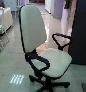 Ремонт и перетяжка офисной мебели
