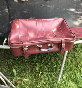 Ретро чемодан кожаный