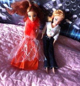 2 куклы.