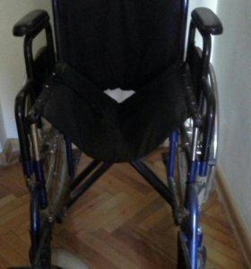 Кресло -каталка для инвалида.