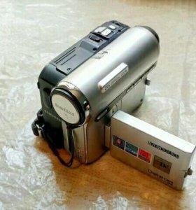 продам видеокамеру оригинал