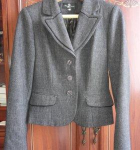 Женский костюм (пиджак и юбка)
