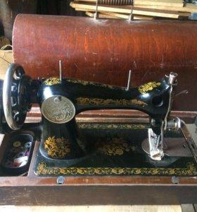 Швейная машинка 60-х годов