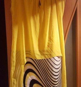 Яркое красивое желтое платье