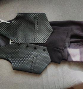 костюм (жилетка и брюки)