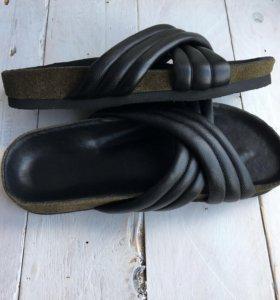 Новые кожаные тапочки