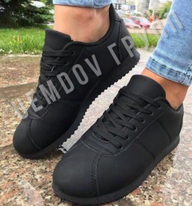 Кроссовки/кеды чёрные новые