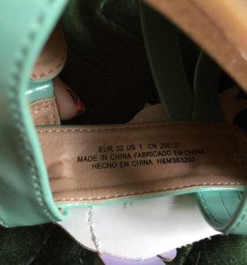 Детские сандали на девочку