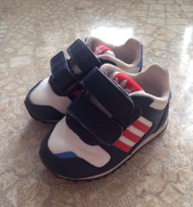 Детские кроссовки adidas 19 размер