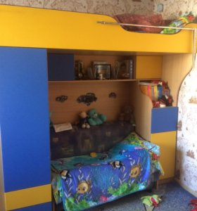 Стенка детская 3 в 1, с 2-ям спальными местами.