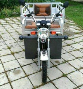 Трицикл электрический новый