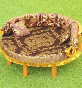 Лежанка-трон золотой круглый