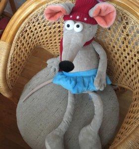 Игрушка мышка в шарфике и шапке