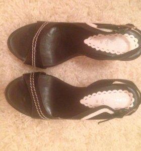 Новые туфли гуэрго