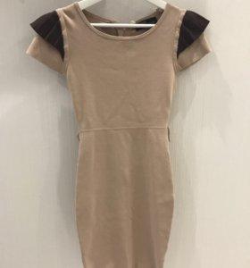 Платье бежевое б/у