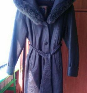 Кожанное пальто женское