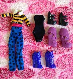 Одежда и обувь для кукол Monster High
