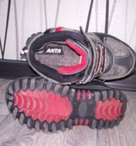 Спорт кроссовки на меху б/у