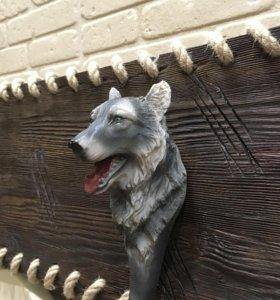 """Вешалка из состаренного дерева """"Волки"""""""