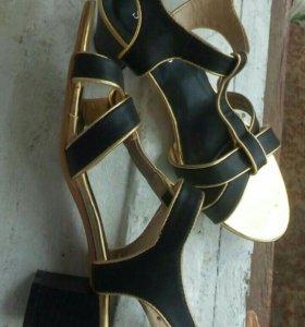 Меняю или продаю туфли 37-38 размер