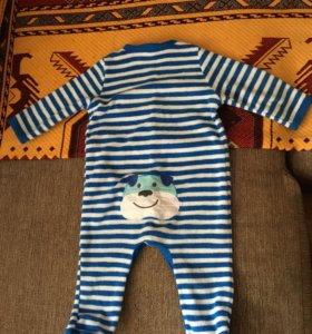 Костюм теплый и слитный костюм на 74 по 100 руб