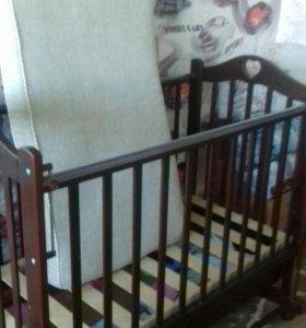 детская кроватка с ящиком + матрац