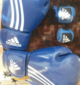 Боксерские перчатки + бинты (Adidas) 16 OZ