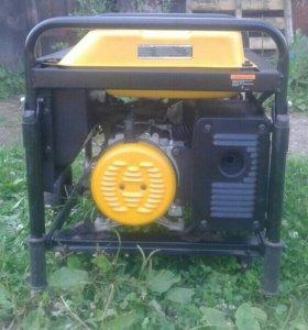Бензиновый генерратор на 5 клв