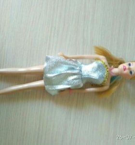 Кукла барби с платьем
