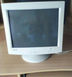 Продаётся компьютерный монитор.
