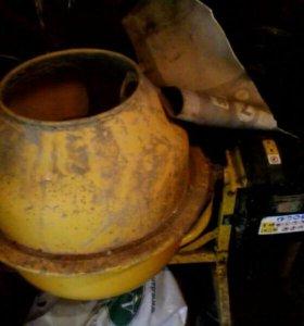 Прокат бетоно мешалки 350р в  сутки
