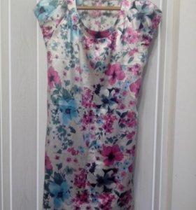 Продам платье размер 46-48 500 руб