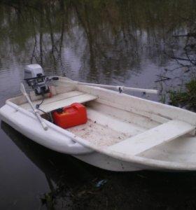 Лодка пластиковая Лайкер 300 с булями