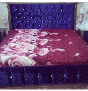 Шкаф купе и двухспальняя кровать