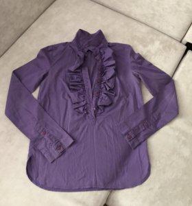 Фиолетовая рубашка с жабо