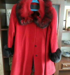 Пальто сенне-весеннее