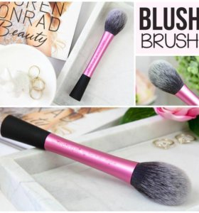 Кисть Real Techniques для румян Blush Brush. США