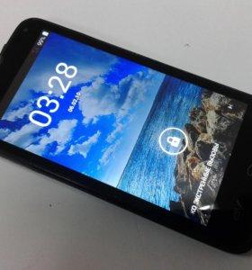 Смартфон Fly IQ4415 Quad ERA Style 3