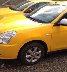 Оклейка такси белой и желтой