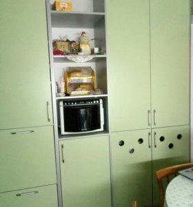 Часть кухонной мебели. Разноуровневая.