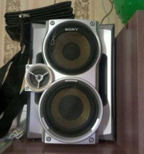 Продам музыкальный цент Sony