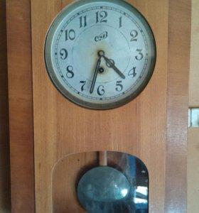 Часы настенные механические маятниковые